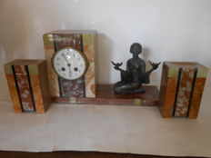 Art Deco mantelpiece clock with 2 matching side pieces in marble