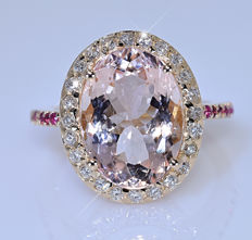 5.67 ct Morganite with Diamonds ring - No reserve price!