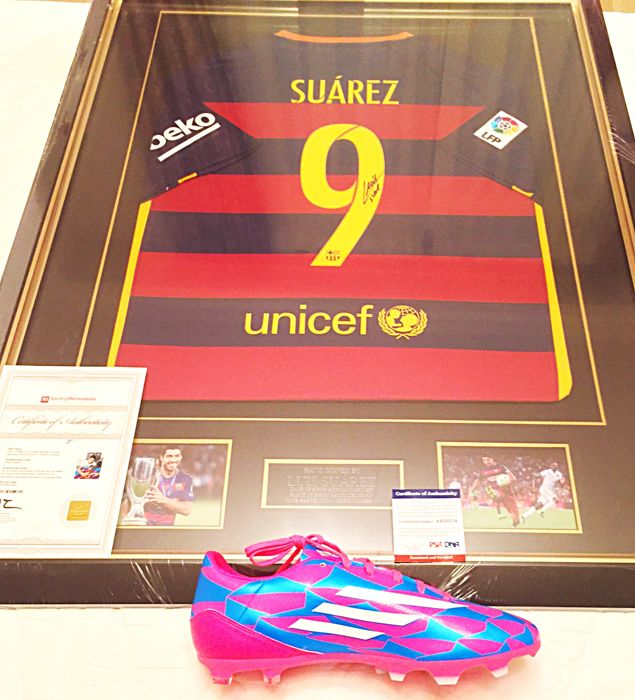 Luis Suárez - Shirt and Adidas F10 boot signed by Luis Suárez - Both with certificate of authenticity