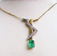 Two-tone 18 kt gold necklace with 1.22 ct emerald stones - 0.08 ct diamonds