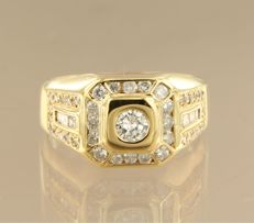 14 kt yellow gold ring set with diamonds, approx. 1.06 ct in total – ring size 19.5 (61).