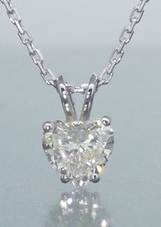 Pendant with a heart-shaped diamond of 0.60 ct