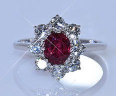 3.15 ct Ruby with Diamonds ring - No reserve price!