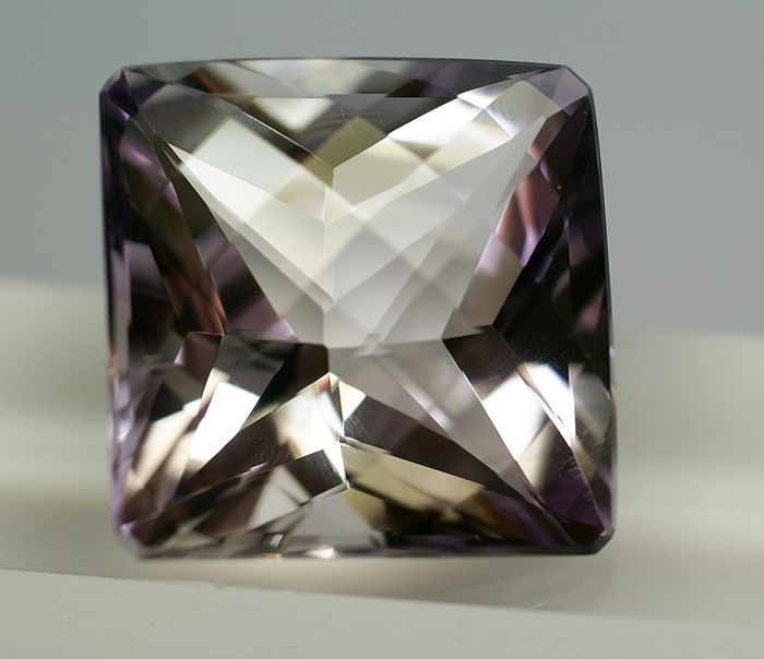 "Ametyst ""Rose de France""- Violet    71.61 ct"