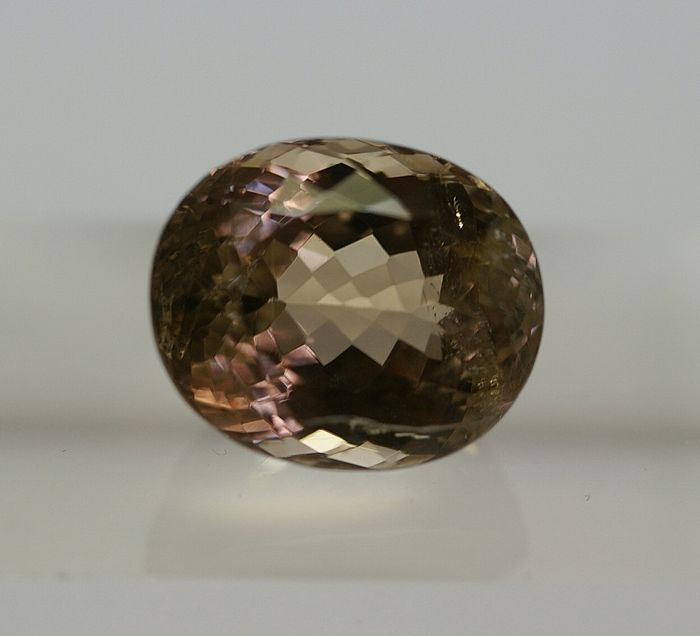 Tourmaline, brown-pink   18.74 ct