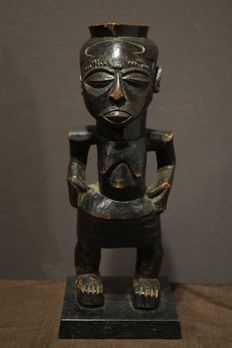 Kuba Anthropomorphic Shoowa Cup