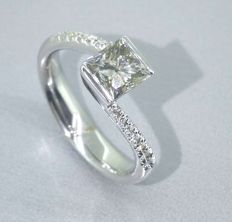 Ring set with a Champagne coloured  princess cut  diamond 1.10 ct & 14 small brilliant cut diamonds - ringsize 17.35mm / 55