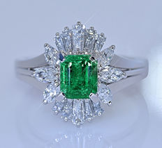 2.14 ct Colombian Emerald and Diamonds ring - No reserve price!