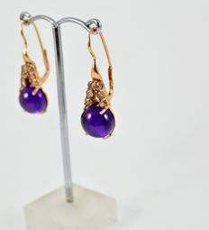 Earrings in rose gold with Champagne-coloured diamonds and amethysts