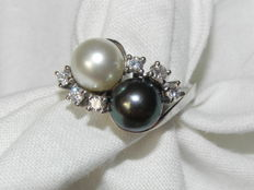 Diamonds and pearl cocktail ring 14 kt - 585 gold