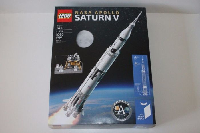 Lego IDEAS 21309 Nasa Apollo Saturn V