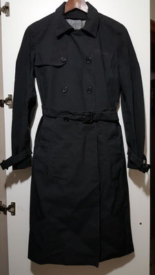 Prada – Original vintage women's trench coat