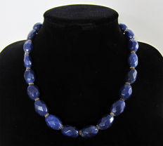 Necklace of faceted sapphires - 14 kt gold clasp - total length 50 cm