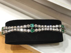 Bracelet river of diamonds and emeralds, weight 26.25 g – length 17.5 cm
