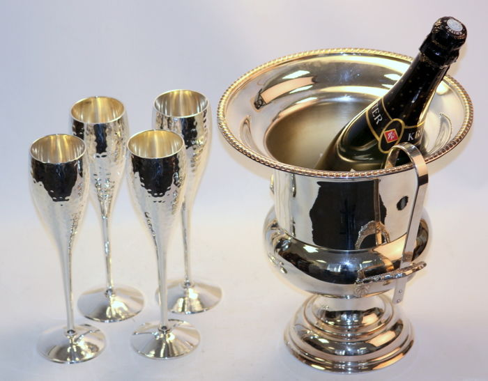 Set of four vintage silver plate hammer finished champagne glasses, circa.1970