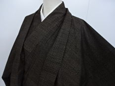Silk men's Oshima Tsumugi kimono and haori set - Japan - ca. 1930-1940 (end taisho, early showa)