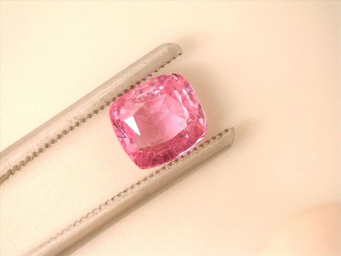 Pink Sapphire  1.56  ct