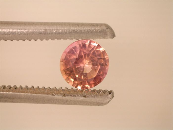 Padparadscha - 0.42 ct - No Reserve Price