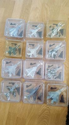 Lot with 12 model aircraft (jets) various scales, brand: Die Cast.