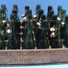 Very old crate with 24 bottles of Brewery Pieyns from Loochristie
