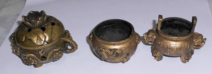 3 bronze incense holders - China - last quarter of the 20th century