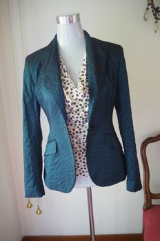 Jacket and blouse by Antonio Fusco, in silk with jaiè Kenzo A combination of bright colours giving perfect elegance. Contemporary garments in next to new condition.