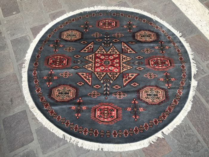 Round, hand-knotted Kashmir rug – Size: 150 x 150 – Circa 2000, Pakistan