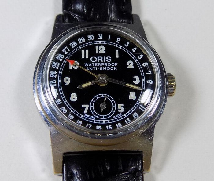 Oris 704 - Pointer Date Calendar - 1960 - Military Boy Size - Men's Wristwatch