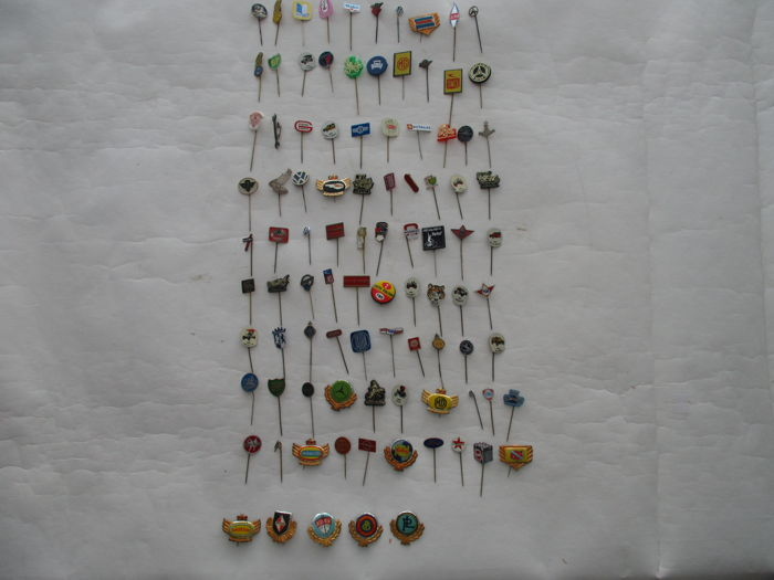 Collection 95x car / motor / tractor / petrol / pins - 1950s and 1960s