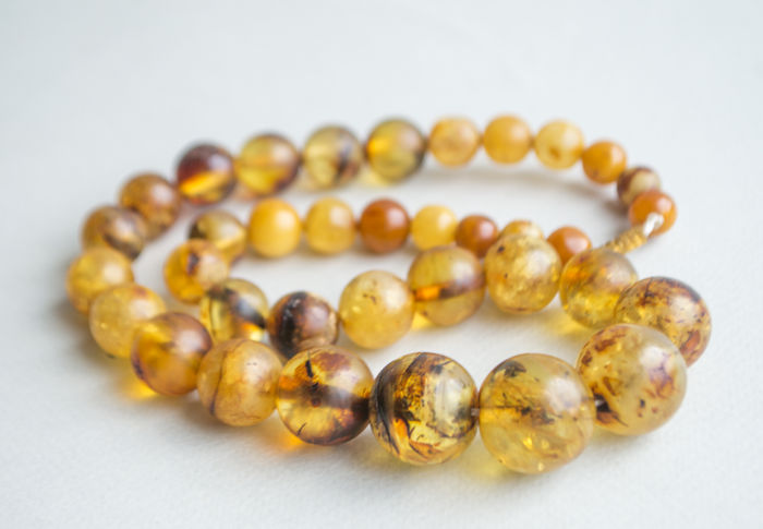 Vintage transparent Baltic Amber necklace, in lemon - yellow - green, honey colour, 44 gram