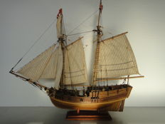 """U.S.S. Sloop of War """"Hannah"""" - 1775 - unique and highly detailed wooden ship model"""