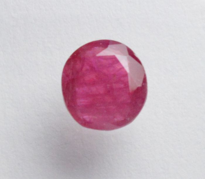 Ruby – 0.81 ct – No reserve price