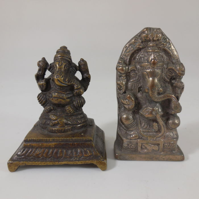 Two Ganeshas, bronze and brass – India – mid 20th century