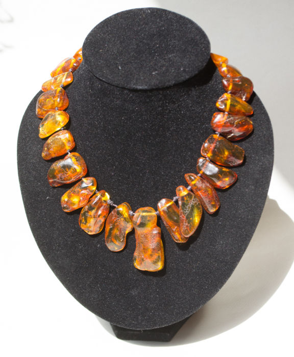 Baltic Amber necklace with silver clasp, in butterscotch, honey colour, 93 gr.,  No reserve