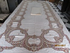 Large oval tablecloth with 12 matching napkins with openwork embroidery and lace