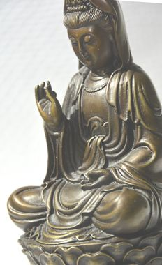 Bronze (19 cm) statue Guanyin - China - late 20th century