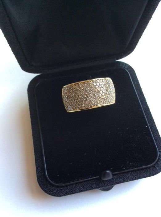 Gold ring 14 kt, 1 ct of brilliants – 17.3 mm diameter