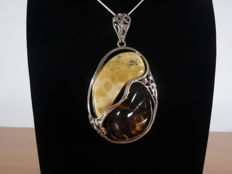 Genuine Baltic Amber 925 Sterling Silver pendant 37,7 grams