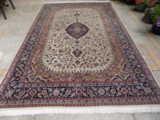 Beautiful Persian ISFAHAN   300/200 CM, wool, densely knotted