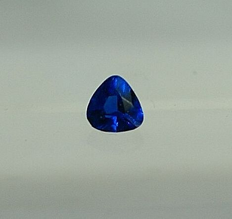 Hauyn, blue, 0,09 ct - no reserve
