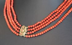 14 kt gold clasp with coral necklace, length:  41 cm