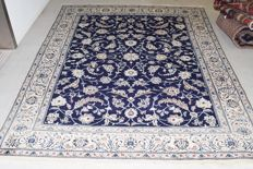 Persian rug Nain with silk - 20th century - 320 x 245 cm - with certificate