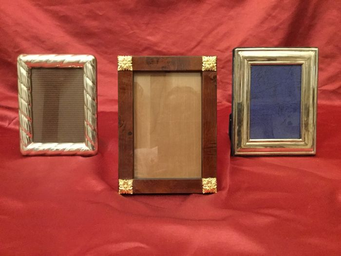 Two silver photo frames: one Italian in silver 925/1000, the other from London in Silver 800/1000 + 1 mahogany frame, Italy, 20th century