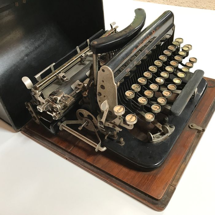 Typewriter Imperial Model D, Leicester - England, ca. 1921