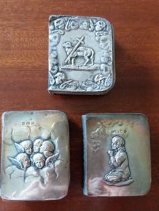 Miniature; Book of Common Prayer - 3 miniature copies with silver front cover - ca. 1900/1904