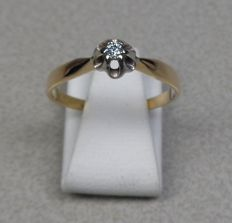 14 kt gold solitaire ring with brilliant cut diamond of 0.05 ct