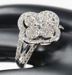 White Gold 1.06 ct. Diamond ring  – Ring size : 54 (FR) and 17 NL  - Top Width 13 mm X 13 mm - no reserve