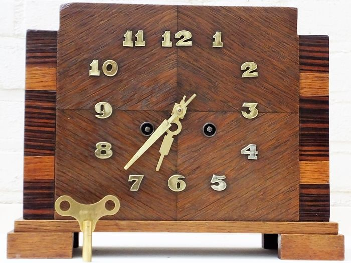 Amsterdam school clock - Ca. 1920-1930