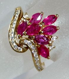 18 kt / 750 gold ring with red bouquet of marquise rubies + 27 brilliant cut diamonds