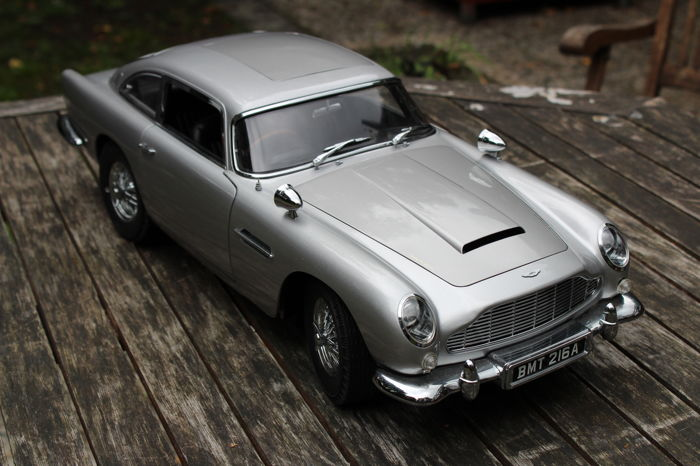 Image result for james bond aston martin db5 model""